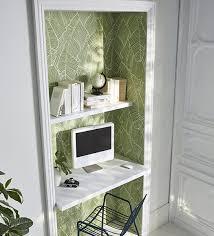 tapisserie bureau sublimer l espace bureau en tapissant une alcôve d un papier peint à