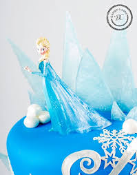 Elsa in our cake featuring characters from Disney s