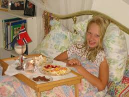 911 Getting served breakfast in bed – 1000 Awesome Things