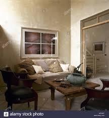 modernes land wohnzimmer sofa rustikalem holz couchtisch