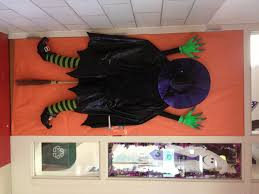 Best Decorating Blogs 2013 by 5 Festive Halloween Door Decorating Ideas From Pinterest