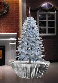 18 Best Snowing Christmas Tree Images On Pinterest