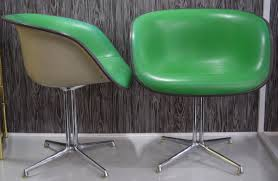 WV Design Team: Mid-century Designers Withstand The Test Of ... Vitra Lounge Chair Herman Miller Leather Sante Blog Charles Eames Set Wauwshop Belgium Euvira E Style And Ottoman Swivelukcom Ball Globe Whiteblack Midcentury You Avoid Fake Designer Handbags Watches But What About Folkeohlsson Photos Images Pics Retro Vegas Seating Sold Wwwmahademoncoukspareshtml