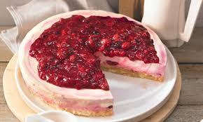 rote grütze vanille torte knuspriger crunchboden