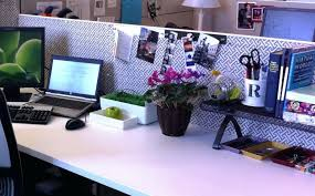 Cubicle Decoration Themes In Office For Diwali by Cubicle Birthday Decorating Ideas Cute For At Work Office Decor