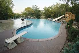 This Vinyl Liner Swimming Pool Project Es From Plastimayd And Diving Boards