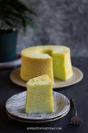 soft and fluffy gluten free pandan chiffon cake