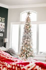 Pre Lit Flocked Christmas Tree Uk by Best 25 Slim Christmas Tree Ideas On Pinterest Pencil Christmas