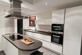 grifflos weiß und großzügig grauwacke küche exlusiv