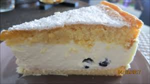 topfen sahne torte mit frischen früchten