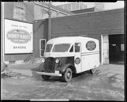 Lafayette Studios Photographs: 1940s Decade Family Savings Magazine Octonovember 2017 By Becky Wimsatt Issuu 2 Guys And A Truck Movers Best Resource Midrise Student Aparment Building Approved Near Uk In Lexington Hshot Trucking Pros Cons Of The Smalltruck Niche Lafayette Studios Otographs 1940s Cade 1911 Mack Mhattan Chassis 950 Flatbed Taken At Th Flickr Ouch Motorcycle Heist Goes Wrong For Two Wouldbe Thieves Cycling Kentucky Two Killed After Truck Hits Tree Abc 36 News Ky Hdyman Contractor Landscaping Remodeling Men Atlanta Ga Quality Moving Services Your Pickup Trucks Stock Photos Images Alamy