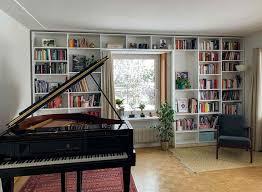 bibliothek nach maß im eigenen wohnzimmer planen