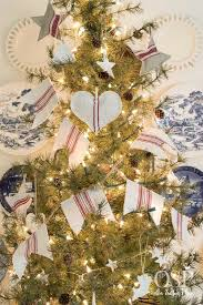 Tumbleweed Christmas Tree Pictures by Diy Christmas Decor Vintage Grain Sacks On Sutton Place
