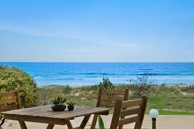100 Absolute Beach Front Tahnee Court Unit 3 Beachfront Apartment Holiday