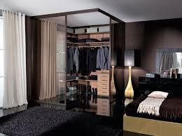 تمويه جريدة الند غرفة الملابس ورا السرير