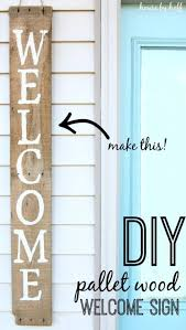 28 Fun DIY Pallet Sign Projects You Should Try