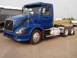 VOLVO TANDEM AXLE DAYCAB FOR SALE | #11583