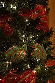 Best Decorated Christmas Tree Pictures With Ribbon Gallery