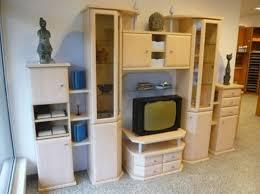 zeitloser wohnzimmerverbau in dekor birke