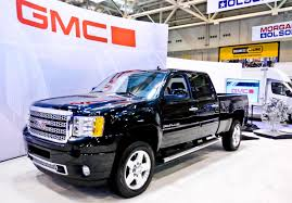 GMC Sierra HD Vs. Chevy Silverado HD: What's The Difference ... Gmc Comparison 2018 Sierra Vs Silverado Medlin Buick F150 Linwood Chevrolet Gmc Denali Vs Chevy High Country Car News And 2017 Ltz Vs Slt Semilux Shdown 2500hd 2015 Overview Cargurus Compare 1500 Lowe Syracuse Ny Bill Rapp Ram Trucks Colorado Z71 Canyon All Terrain Gm Reveals New Front End Design For Hd