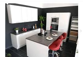 moderne weiße hochglanz küche mit kochinsel neu