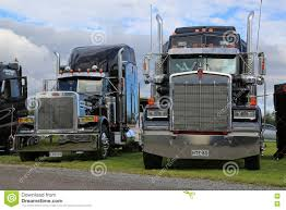 Classic Kenworth And Peterbilt Trucks Editorial Photo - Image Of ...