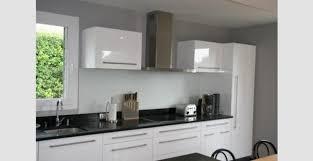 cuisine grise et plan de travail noir cuisine noir et blanc laqu beautiful beautiful cuisine sol damier