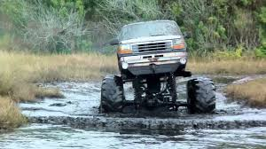 7 Lakes New Years 2013 Mud Bogging 4x4 Trucks With MuddFreak - YouTube