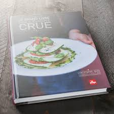 cuisine crue livre le grand livre de la cuisine crue mixer deshydrater crudites