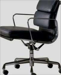 Dwr Eames Soft Pad Management Chair by Dennis Hopper On A Vitra Eames Soft Pad Chair People I Admire