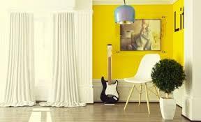 wohnzimmer farbe ideen gelbe akzente wohnzimmer farbe