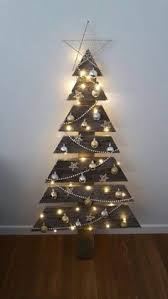 Christmas Tree From Pallets Made Of Lights Pallett