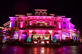 Christmas Tree Inn Pigeon Forge Tn by Accommodations By Willow Brook Lodge Hotel In Pigeon Forge Tn