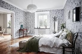 chambre toile de jouy une chambre élégante et raffinée avec un papier peint à motifs