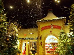 Christmas Tree Shop Salem Nh by The Yankee Candle Village Store In South Deerfield Massachusetts