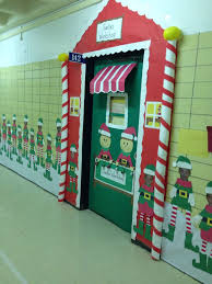 Cubicle Decoration Themes In Office For Christmas by The 25 Best Christmas Classroom Door Ideas On Pinterest