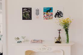 kunst im esszimmer sommerliche wildblumensträuße und