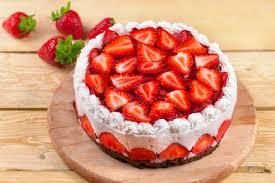 traumhafte erdbeer joghurt torte