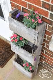 12 Creative DIY Pallet Planter Ideas For Spring DIYReady