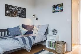 chambre avec meuble blanc chambre bleu et blanc coucher lit pour fille marine chic accessoire