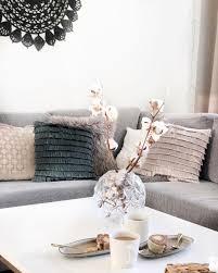 gemütliche eleganz in diesem wohnzimmer sorgen vor allem