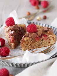 e wie einfach oder lauwarmer haselnusskuchen mit schokolade