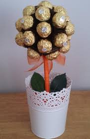 Ferrero Rocher Christmas Tree Stand by 132 Best Ferrero Rocher Bouquets Images On Pinterest Chocolate