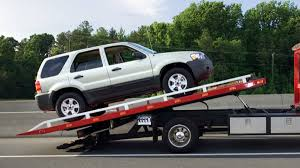 Truck Towing After An Accident – Why You Always Need To Have An Auto ...
