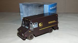 K-LINE BY LIONEL 21456 UPS DELIVERY VAN MOTORIZED SUPER STREETS IN ...