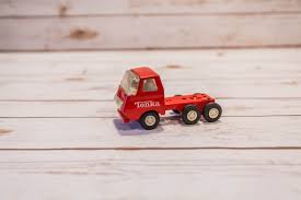 Vintage 1970s Red Tonka Truck Semi Truck Collectable Red White ... Set For Shemetal Scale Model Making Philippines Kids Ystoddler Toys 132 Toy Tractor Indoor Tonka Diecast Big Rigs Unboxing Truck Digs Game Videos Matchbox Tasure Real Working Metal Detection Metal Vintage 1970s Red Semi Colctable White Amazoncom Green Dump Games 3 Types Eeering Vehicles And Plastic Scooter Wikipedia Tonka Trucks Diecast Side Arm Garbage 9 Fantastic Fire Junior Firefighters Flaming Fun Car Transporter W 12 Slideable Cars Christmas Buy 6th Dimeions Imported Die Cast Set Of 5 For