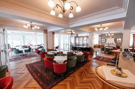 wiener kaffeehaus tradition in altaussee das brahms café