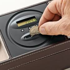 dresser valet with digital coin counter so that s cool