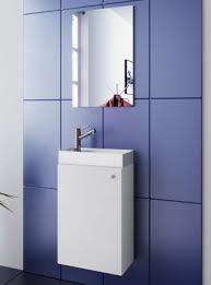 waschplatz weiß waschbecken mit unterschrank spiegel und lichtleiste