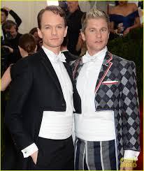 Neil Patrick Harris Halloween neil patrick harris u0026 david burtka wear crop top tuxedos to met